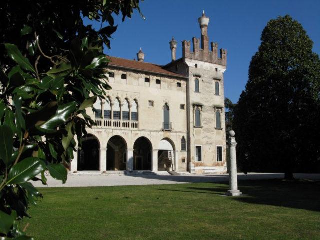 Castello-Colleoni_1