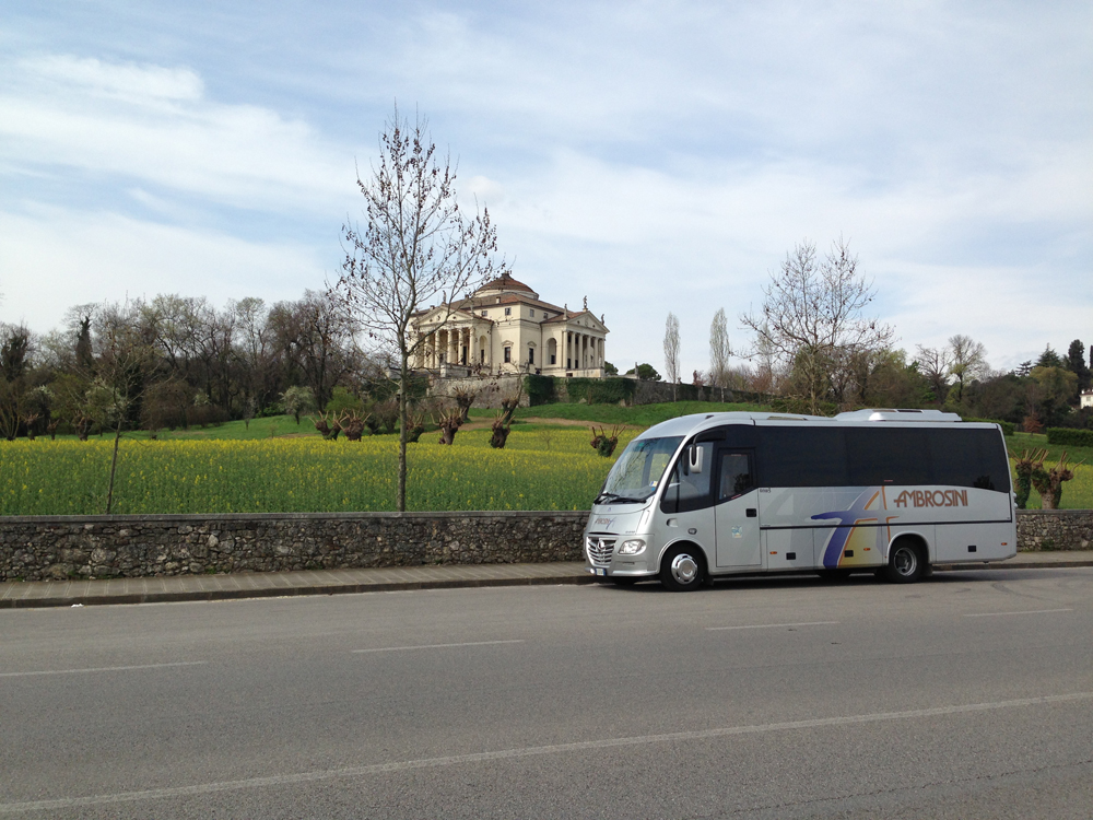 Mercedes Beluga Rotonda Palladio Vicenza