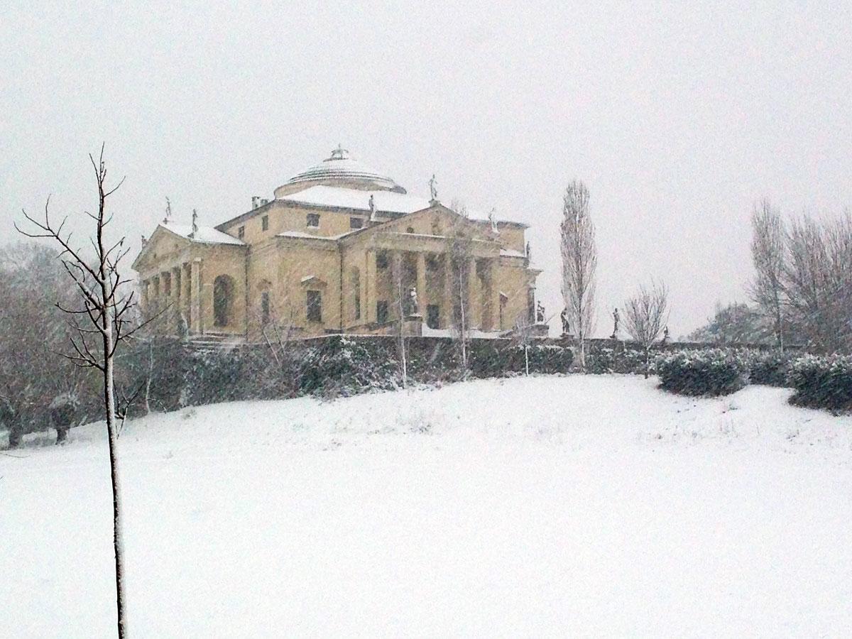 Villa-Rotonda-inverno sotto la neve